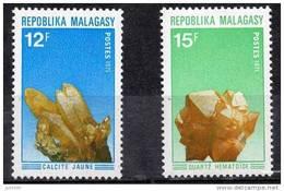 MADAGASCAR MINERAUX Yvert 482/83. Emis En 1971. Calcite Jaune, Quartz Hématoïde. MNH ** - Minéraux