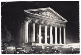 75 - PARIS LA NUIT - La Madeleine - Ed. Yvon N° IB 662 - 1958 - Citroën Traction Et 2cv - Paris By Night