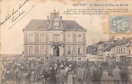 Routot        27      La Place Du Marché  Et La Mairie    (voir Scan) - Routot