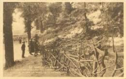 MARCHE-LES-DAMES - Les Fleurs S'amoncellent à L'endroit Où Le Roi Albert Ier A Trouvé La Mort, Le 17 Février 1934 - Namen