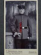 PHOTO CDV 10,5 X 6,5 Cms  Soldat Militaire Allemand   Photo F. EMMANUEL à DIEUZE (Moselle) - Guerre, Militaire