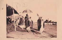 HARAR. ETHIOPIE. Prêtres Abyssins Portant Le Livre Des évangiles - Ethiopie