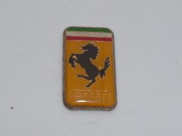 Pin's LOGO FERRARI  06 - Ferrari