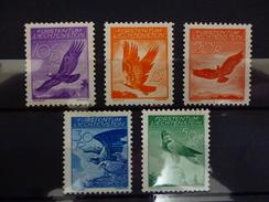 LICHTENSTEIN LUCHTPOST 9a/13a  X ( YVERT ) COTE : 100 EURO ( H ) - Air Post