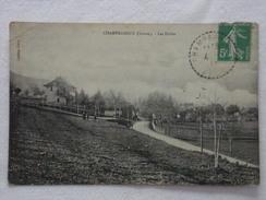 CHAMPAGNEUX - Les Écoles  - CPA - CP - Carte Postale - Autres Communes