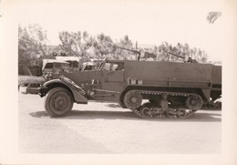 Photo Camion Militaire A Identifier Auto Mitrailleuse A Chenille - Guerre, Militaire