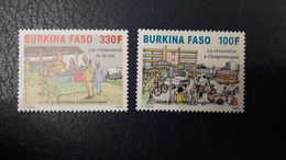BURKINA FASO BURKINAFASO VIE QUOTIDIENNE A OUAGADOUGOU CIRCULATION TRAFFIC JAM RESTAURANTS DE RUE 2012 2016 MNH ** - Burkina Faso (1984-...)