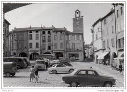 Cpsm Bagnols Sur Ceze - Place De La Mairie ( Automobiles Simca, Citroën, Renault ... ) - Bagnols-sur-Cèze