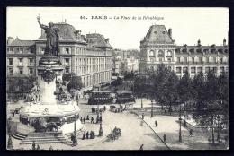 CPA ANCIENNE FRANCE- PARIS (75)- PLACE DE LA REPUBLIQUE - MONUMENT EN TRES GROS PLAN- ANIMATION TRAMWAY DOUBLE A ETAGES - Francia