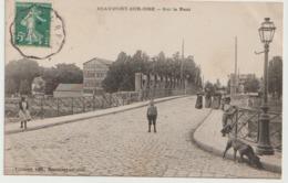 95/ Beaumont Sur Oise - Sur Le Pont - Petite Animation - - Beaumont Sur Oise