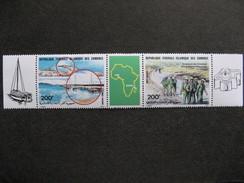 A). Comores: TB Triptyque PA N° 212 A, Neuf XX. Vignette Carte D'Afrique. - Comores (1975-...)
