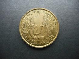 Madagascar 10,20 Francs 1953 (Lot Of 2 Coins) - Madagascar