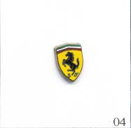 Pin's Automobile - Ferrari / Logo - Taille : 9 X 14 Mm. Non Estampillé. Zamac. T545-04 - Ferrari