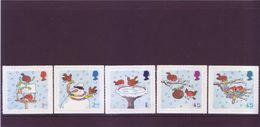 Gran Bretagna 2001 - Natale, Riti Compiuti Da Pettirossi, 5v Autoadesivi Integri - 1952-.... (Elisabetta II)