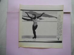 KATARINA WITT 22FEB88 CALGARY   AFP PHOTO PAPIER 21,5 Cm/17cm - Skating (Figure)