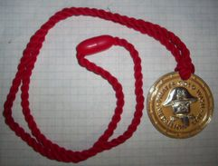 Very Rare - LEGOland Windsor - Pirates Gold Wash Medallion LLW - 2000 - Games