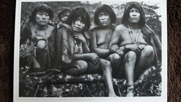 CPM FIN DEL MUNDO FIN DU MONDE TERRE DE FEU MUJERES INDIENNES PEAUX DE BETE YAMANAS PHOTO MARTIN GUSINDE 1918 1924 REPRO - Amérique