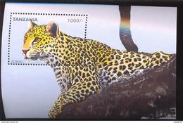 TANZANIA   1366  MINT NEVER HINGED MINI SHEET OF WILDLIFE & ANIMALS - Timbres