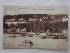 SAINTE-MAXIME-SUR-MER - Place Vistor-Hugo - CPA - CP - Carte Postale - Sainte-Maxime