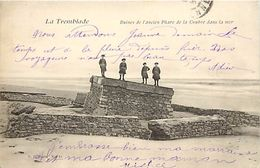 - Charente Maritime -ref-G796 - La Tremblade - Ruines De L Ancien Phare De La Coubre Dans La Mer - Phares - - La Tremblade