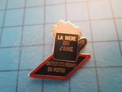 Pin613c Pin's Pins : Rare Et Belle Qualité :  BIERE PRESSION ENTREPOTS REUNIS DU POITOU , Marquage Au Dos : ----- - Bière