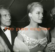 ROMY SCHNEIDER & JEAN COCTEAU Cannes 1959 Photo Par Robert Cohen - Personalità