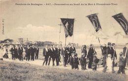 CPA 29 PARDONS DE BRETAGNE PROCESSION AU BORD DE LA MER A PLOUNEOUR TREZ - Other Municipalities