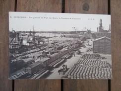 CPA 59 DUNKERQUE VUE GENERALE DU PORT LES QUAIS LA CHAMBRE DE COMMERCE BARRIQUES - Dunkerque