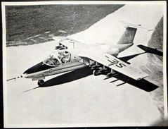 AVIATION PHOTO ORIGINALE D'UN AVION COMMERCIAL A DETERMINER PLI AU MILIEU - Aviación