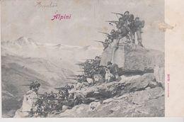 "MILITARIA . Régiment De CHASSEURS ALPINS Avec  Fusils  ""ALPINI "" - Regiments"