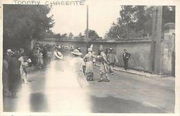 - Charente Maritime -ref-G715- Tonnay Charente - Carte Photo Fete - Deguisements - Fetes - - France