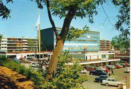 La Celle-Saint-Cloud Le Centre Commercial Elysées 2 Voitures - La Celle Saint Cloud