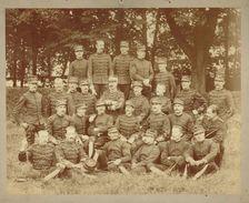 Photographique - Groupe Officiers Subalternes D'artillerie - 1900 - F. Voelcker, Photographe Ecole De Cavalerie Saumur - Guerre, Militaire