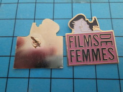 Pin313b Pin's Pins : Rare Et Belle Qualité :  CINEMA / FESTIVAL FILMS DE FEMMES - Films