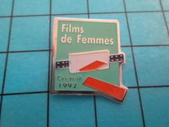 Pin313b Pin's Pins : Rare Et Belle Qualité :  CINEMA / FESTIVAL FILMS DE FEMMES CRETEIL 1992 - Films