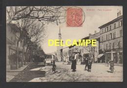 DF / 26 DRÔME / ROMANS SUR ISERE / PLACE JACQUEMART / FONTAINE ET COMMERCES / ANIMÉE / CIRCULÉE EN 1904 - Romans Sur Isere