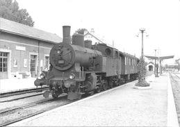 Train Des CFF Stationnant En Gare De DIVONNE LES BAINS En 1962 - Stations - Met Treinen