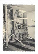 AMBERT  (cpsm 63)  Moulin à Papier Richard-de-Bas , Une Vieille Presse Au Lichoir -    - L 1 - Ambert