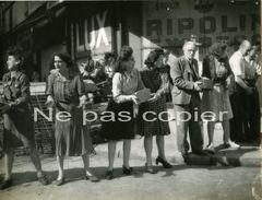 LIBERATION PARIS Edification D'une Barricade 19-26 Août 1944 - Guerra, Militari