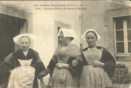 AURAY --  Les Coiffes Bretonnes - Jeunes Filles Du Pays           - Hamonic 588 - Auray