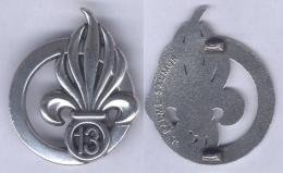 Insigne De Béret De La 13e Demi Brigade De La Légion Etrangère - Army