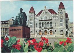 Helsinki: Teatteri / Theatre / Teatern , Staty/Statue Of Wäino Aaltonen (by Aleksis Kivi) - (Suomi/Finland) - Finland