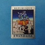 1970 REPUBLIQUE RWANDAISE FRANCOBOLLO NUOVO STAMP NEW MNH** - SPAZIO ASTRONAUTI 1 - Rwanda