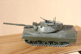 CHAR  LEOPARD - Tanks