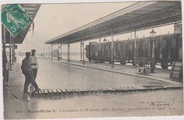 52  Saint Dizier L'inondation Du 29 Janvier 1910  La Gare Passerelle Entre Les Quais - Saint Dizier
