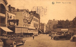 Dinant     Place De La Gare Stationsplein  Prachtige Auto's Oldtimers  Hotel De La Gare        I 1566 - Dinant
