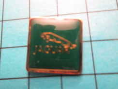 Pin1216a Pin's Pins / Beau Et Rare / AUTOMOBILES / LOGO DE LA MARQUE JAGUAR - Jaguar