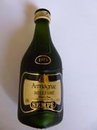 RARE Mignonette Sempé  ARMAGNAC Millésimé 1975 Pleine + COFFRET EN BOIS - Miniatures