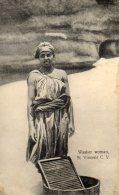 Washer Woman CABO VERDE, SÃO VICENTE (lot 11) - Cap Vert