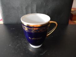 TASSE BLEUE ET OR ORIGINE RUSSE 12 X 14 CM 290 GR - Ceramics & Pottery